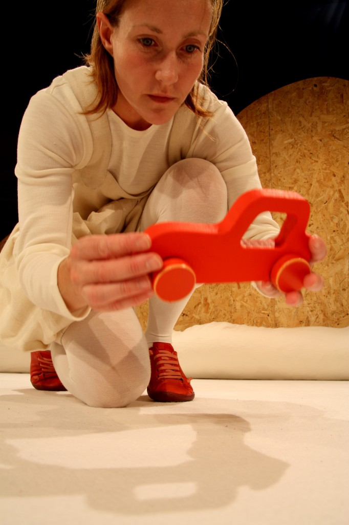 """Max – the play about the Ball, the Car and the Lamp"" Photo: Ilkka Häikiö"